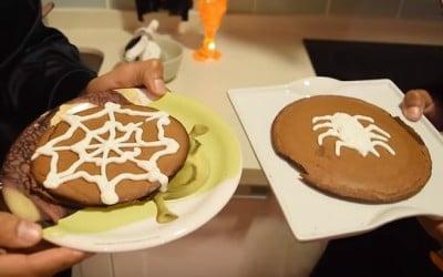 Pancakes de chocolate fitness para halloween