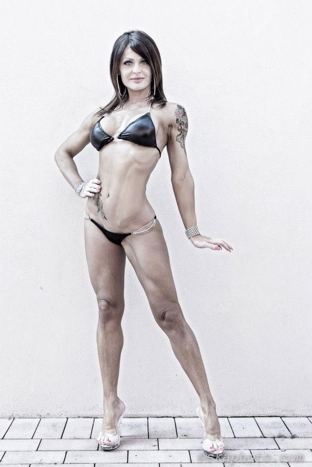Aurelia Bissoli 1 Period in Bikini 02